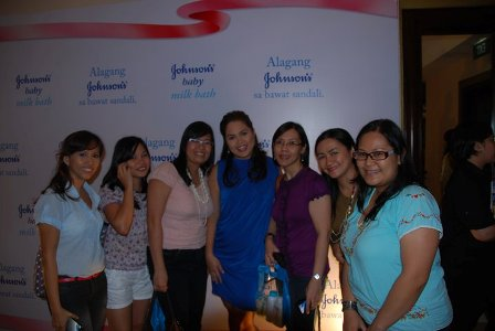 Mommy bloggers with Judy Ann