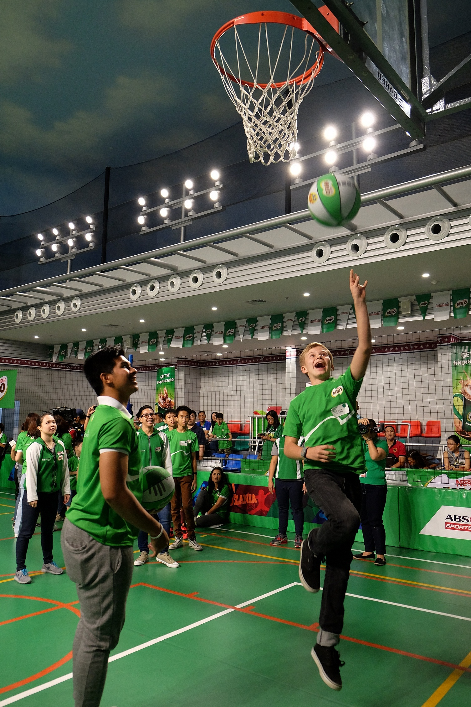 MILO athlete, Kiefer Ravena, helped kids energize their body and mind, andsharpen their basketball moves on the court.